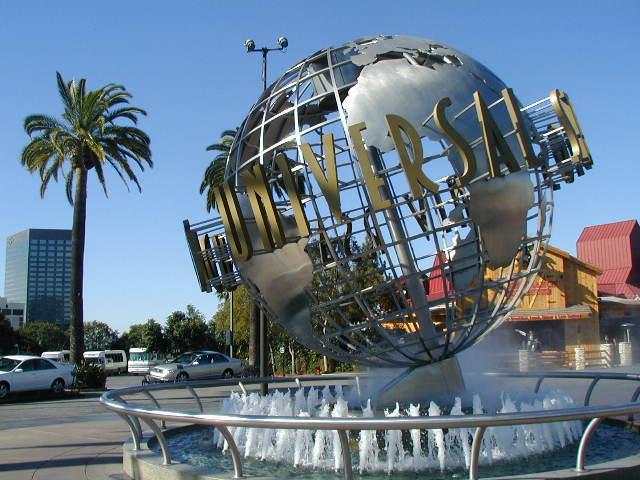 Universal Studios - Hollywood Globe