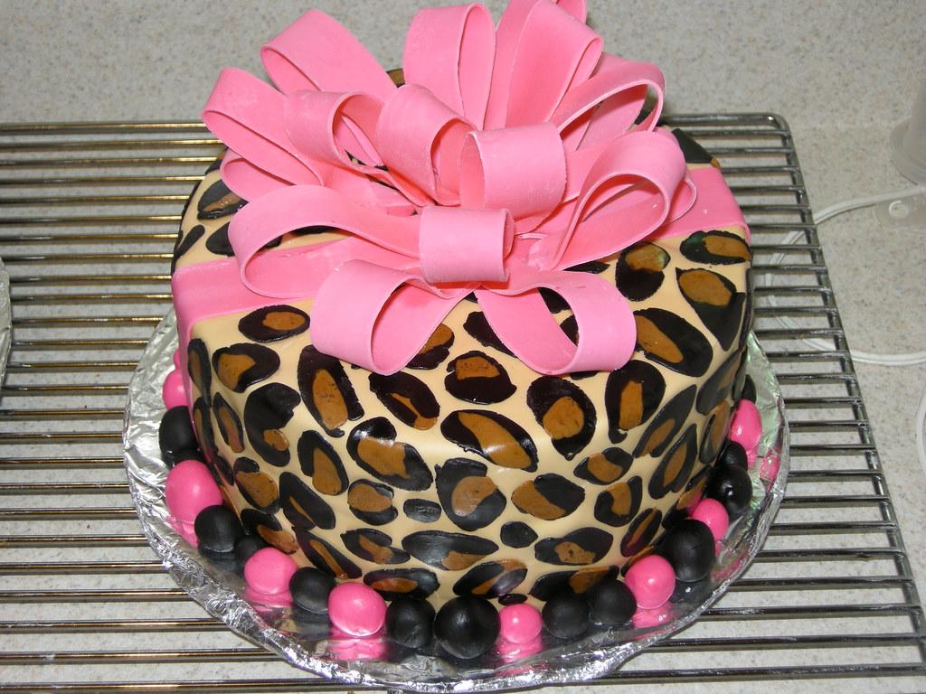 Fabulous Leopard Print Birthday Cake Gumpaste Bow Marshmallow Fond Flickr Funny Birthday Cards Online Fluifree Goldxyz
