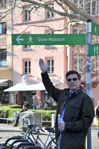 Dom showing the way to the Dom Museum | by elysia1