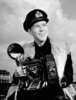 Lt John D. Mahoney of the Royal Canadian Navy Volunteer Reserve, 1944 / Le lt John D. Mahoney, de la Réserve de volontaires de la Marine royale du Canada, 1944