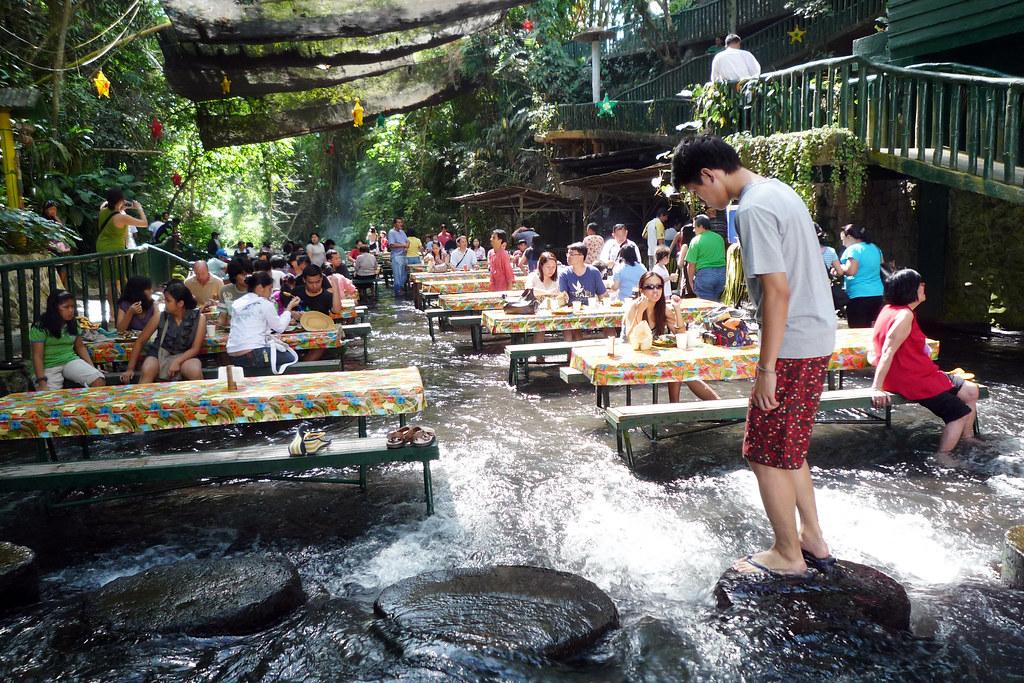 """Résultat de recherche d'images pour """"waterfall restaurant philippines"""""""