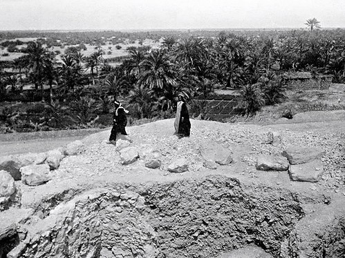 oldbahrain manama bahrain datepalm palmtrees dilmunburialmounds dilmun dilmuncivilization alghatam village palmgroves althukair tumuli tumulus المنامة البحرين الغتم الذكير دلمون حضارةدلمون مدافندلمون pearltrade pearlmerchant pearlmerchants jeweller frenchmen frenchman 1911 circa1911 1910s march1911 circa pearl pearls arabmerchants arabmerchant bahrainipearls merchant merchants jacquescartier cartier arabiangulf agalheaddress agal headgear headwear pearlingindustry pearlindustry naturalpearls datepalmorchards pearlhunting pearlfishing pearling circamarch1911 pearldiving الغوص حضارة bronzeage frenchjeweller caption aali عالي aalivillage aaliburialmounds