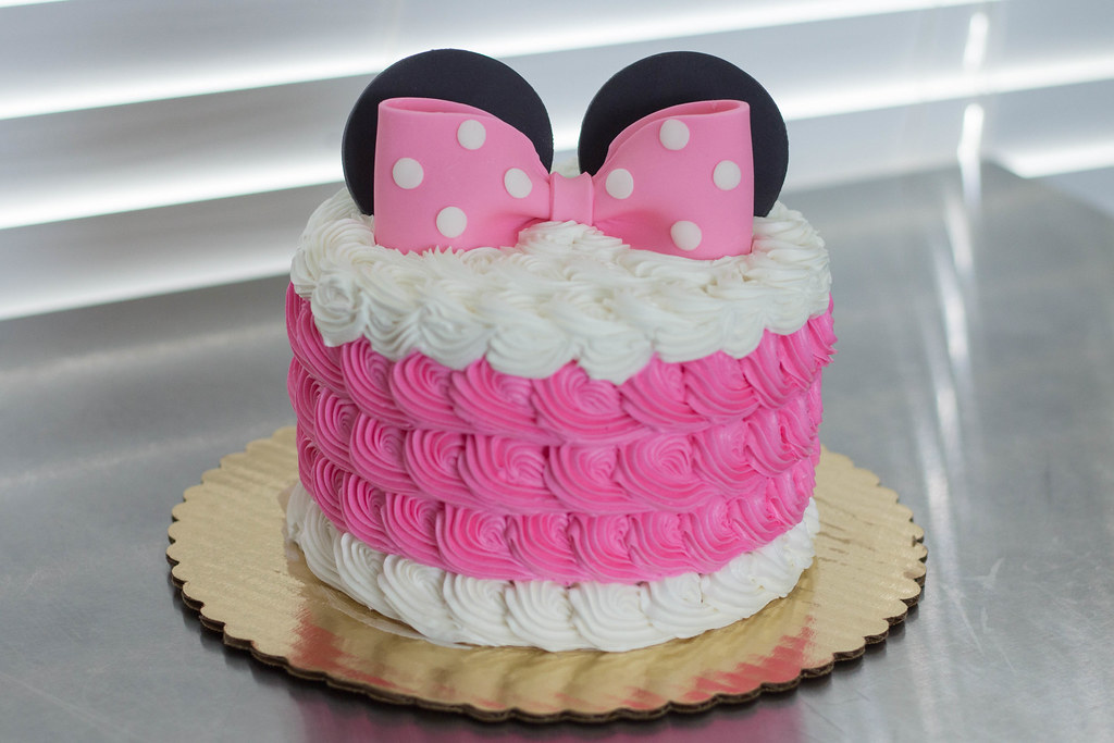 Awe Inspiring Minnie Mouse Cake Cupcakes Grace Ful Cakes Flickr Birthday Cards Printable Trancafe Filternl