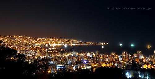 ocean chile city sea beach night photoshop buildings boats puerto lights luces bay noche mar nikon ciudad hills cerros valparaíso viñadelmar bahía océano cs3 d5000