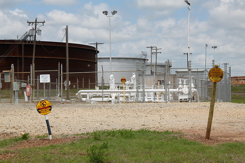 ConocoPhillips tank farm, Cushing OK | by roy.luck