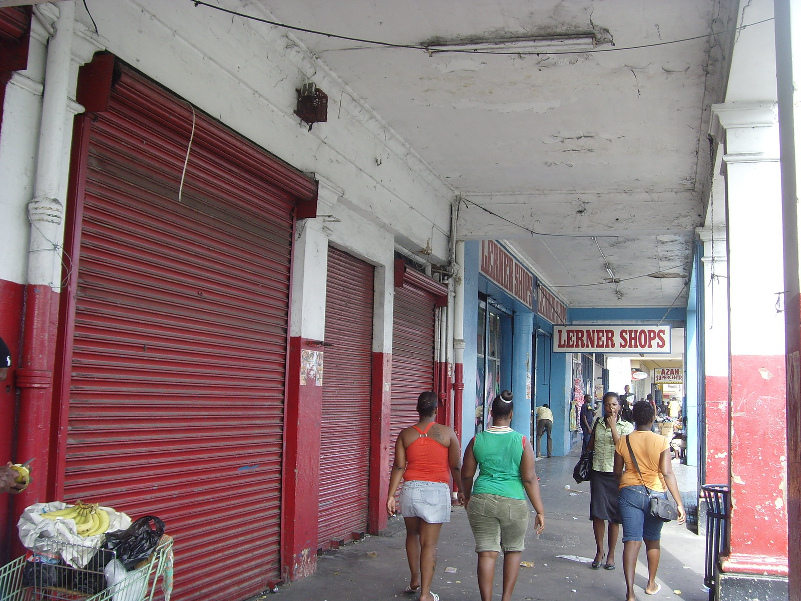 Downtown Kingston Jamaica is quiet as people fear gun battles between the people protecting so-called don man Dudus and the police