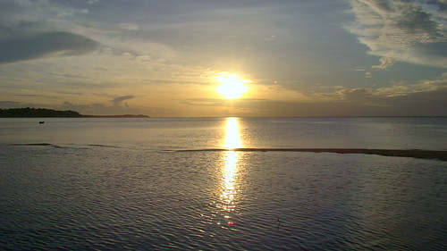 Por do sol na Praia de Ponta de Pedras Santarém Pará Amazonia Brasil | by lubasi