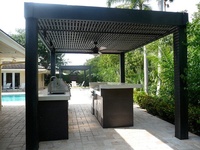 Custom Modern Outdoor Kitchen With Grill Patio Bar Pool Si Flickr