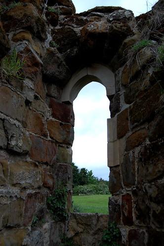 castle history window nikon ruins king norman lincolnshire civilwar cavalier saxon midlands twop roundhead lincs parliamentarian d40 royalist nikonistas bolingbroke henryvi nikonista nikkorafsdx1855mm dwwg