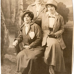 1919 0001 Myrtle Howard and friends