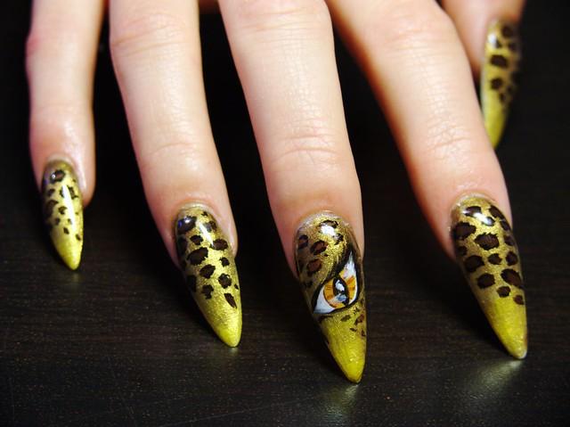 Leopard (nail art, műköröm)