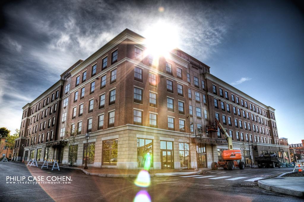 Portwalk Place by Philip Case Cohen