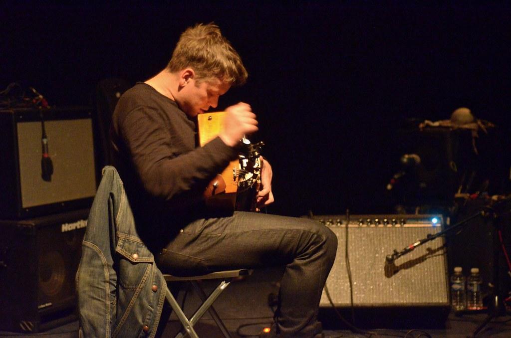 yann gourdon yann gourdon plays his electric hurdy gurdy a flickr. Black Bedroom Furniture Sets. Home Design Ideas