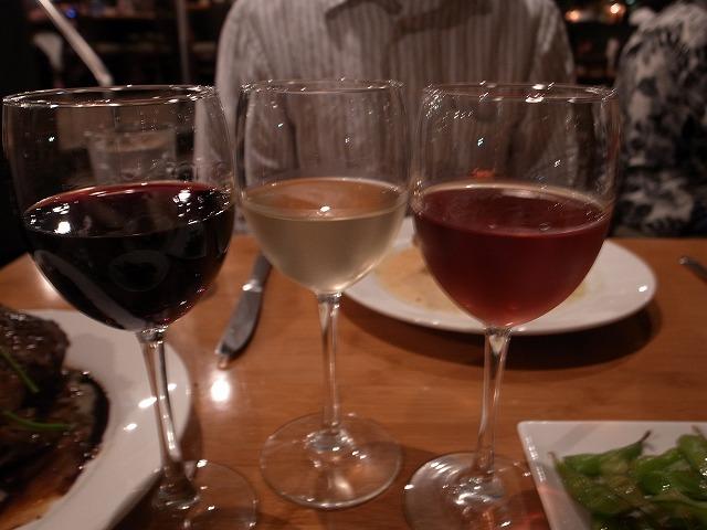 <p>それぞれのメインディシュにあわせたワイン</p>