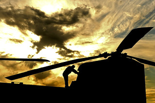 Chinook at sunset | A U S  Army CH-47 Chinook helicopter cre