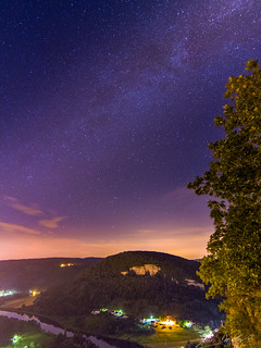 Climbing The Milky Path (O19a)   by Darblanc ( http://darblanc.com )