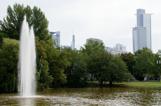 Frankfurt, Ludwig-Erhard-Anlage, Park