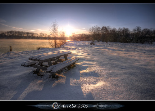 trees lake snow cold ice sunshine breakfast photoshop sunrise canon bench rebel belgium belgique tripod belgië sigma tips remote 1020mm erlend hdr mechelen cs3 3xp photomatix walem tonemapped tonemapping xti battenbroek 400d erroba robaye erlendrobaye spildoornvijver