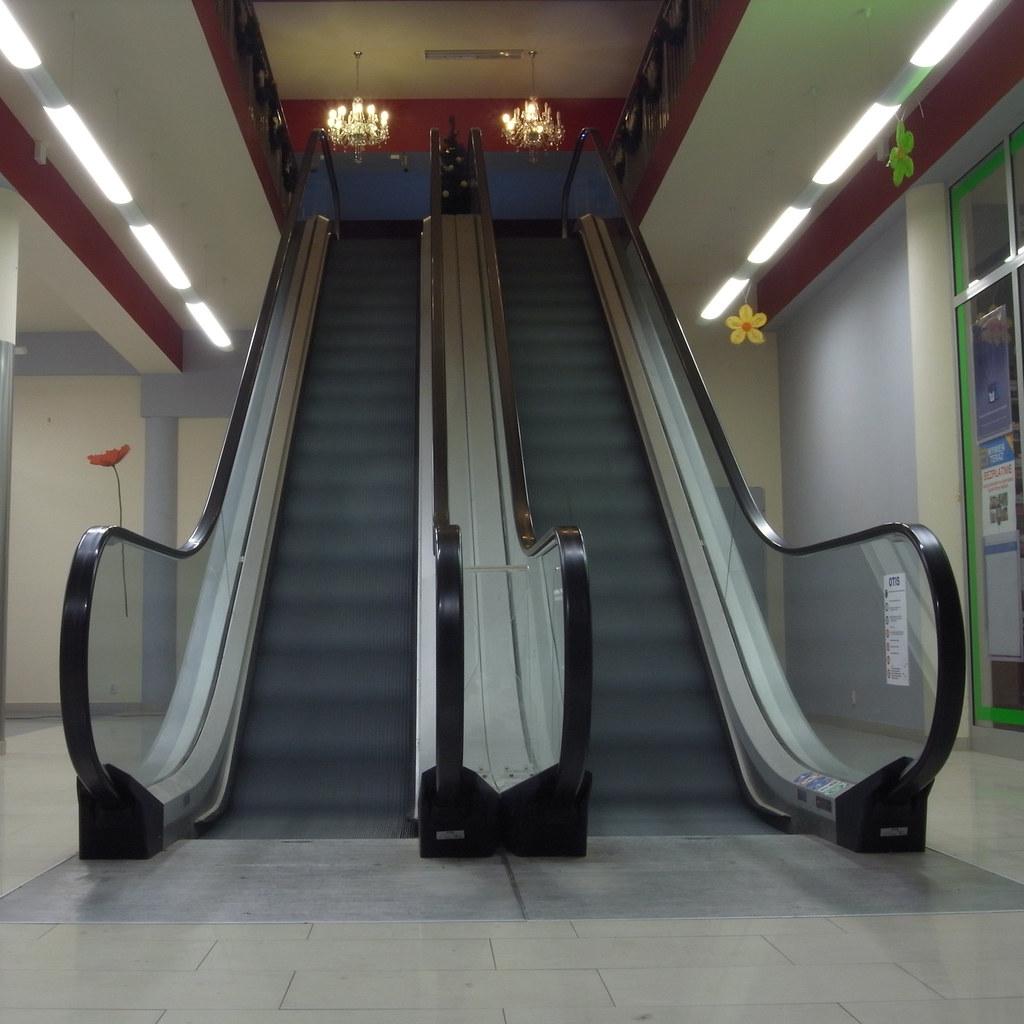 Ruchome schody / Escalator