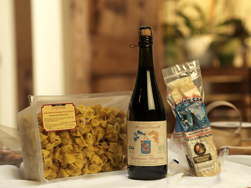 Food parcel tipical products http://www.surbir.it/Food-parcels-C62.aspx | by www.emiliabyfood.it