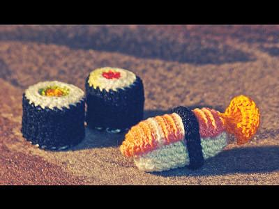 How to crochet cute kawaii Sushi - Amigurumi Tutorial - YouTube | 300x400