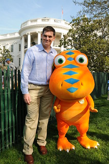 Dr. Scott Sampson and Buddy from PBS KIDS' DINOSAUR TRAIN at the White House Easter Egg Roll 2010 | by PBS PressRoom