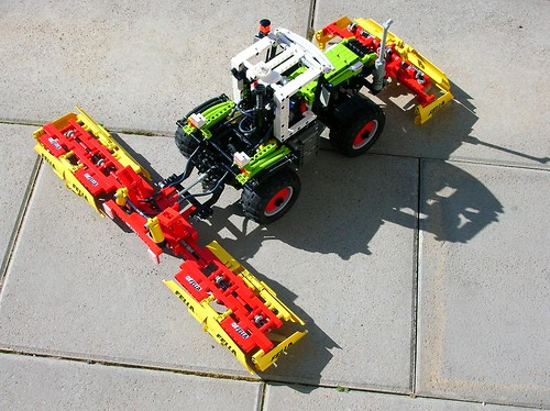Lego Technic Claas Xerion with mower | by Mentalspagat