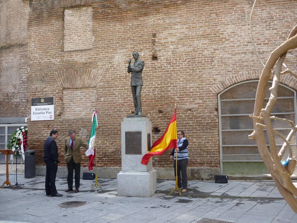 Homenaje a Agustín Lara en Madrid bilaketarekin bat datozen irudiak