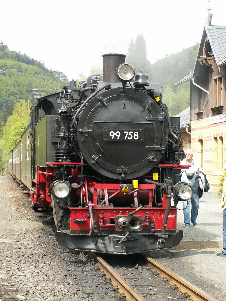 Dampflok bei Oybin im Zittauer Gebirge - Auf den Gleisen der Harzer Schmalspurbahnen  geht es mit Dampflok, Diesellok und Triebwagen auf verschiedensten Strecken durch das Bergland im Harz und auf die Höhe des Brocken, dem höchsten Berggipfel in Norddeutschland 548