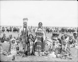 Aboriginals at a pow wow held in honour of the visit of the Duke of Cornwall and York, Calgary, Alta., September 28, 1901 / Autochtones rassemblés à un pow-wow en l'honneur de la visite du duc de Cornwall et de York, Calgary, Alb., 28 septembre 1901
