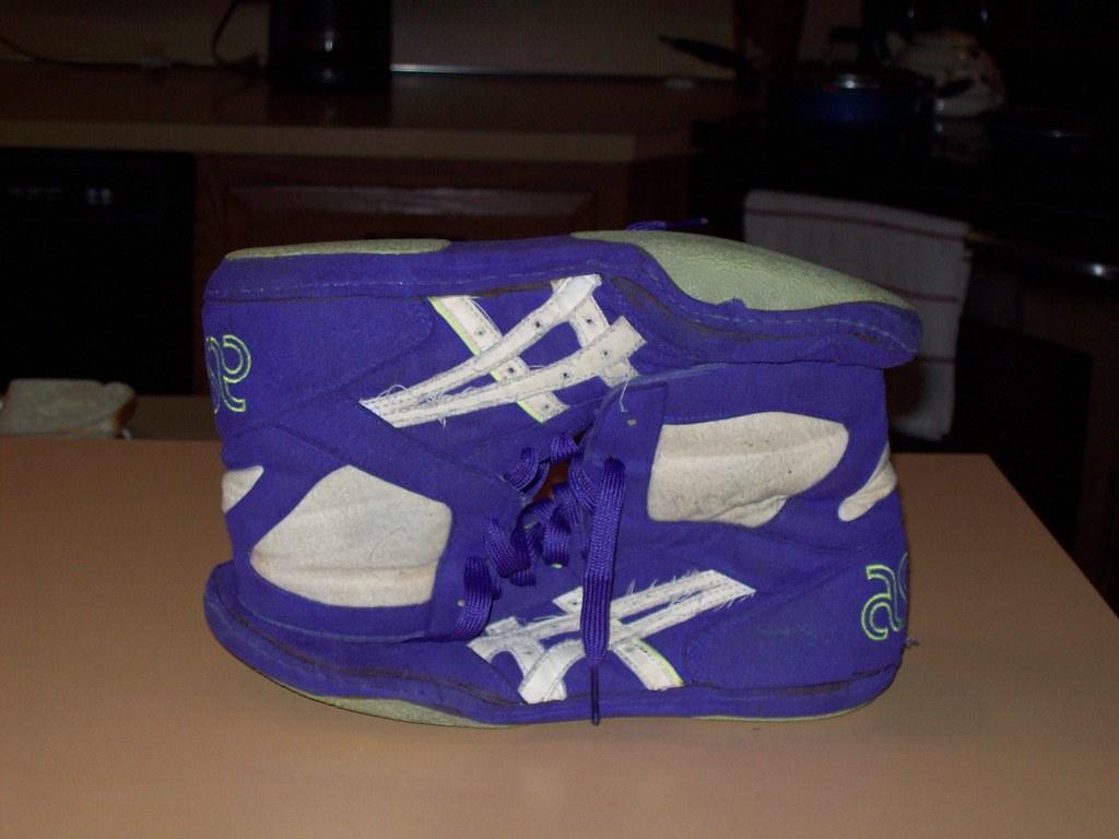 asics purple lyte wrestling shoes