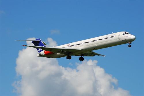 SAS McDonnell Douglas MD-82; LN-ROS@ZRH;09.08.08/525ah | by Aero Icarus