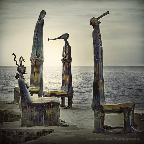 mexico installation puertovallarta sculptures alejandrocolunga larotundadelmar magiayfotografia thelittlebookoftreasures