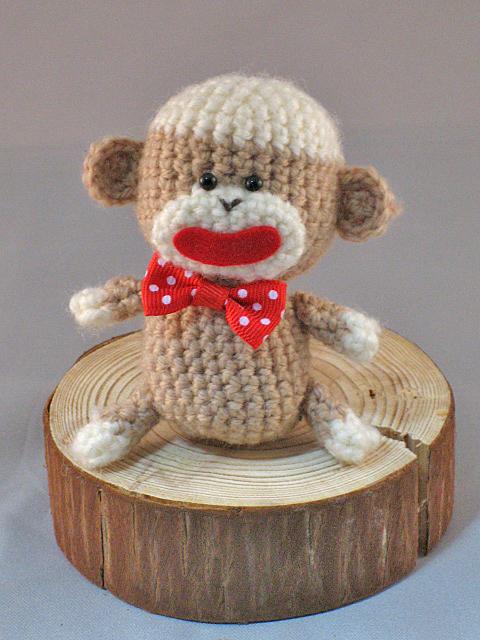 Classic Brown Twist Sock Monkey Hat and doll PDF Crochet Pattern ... | 640x480