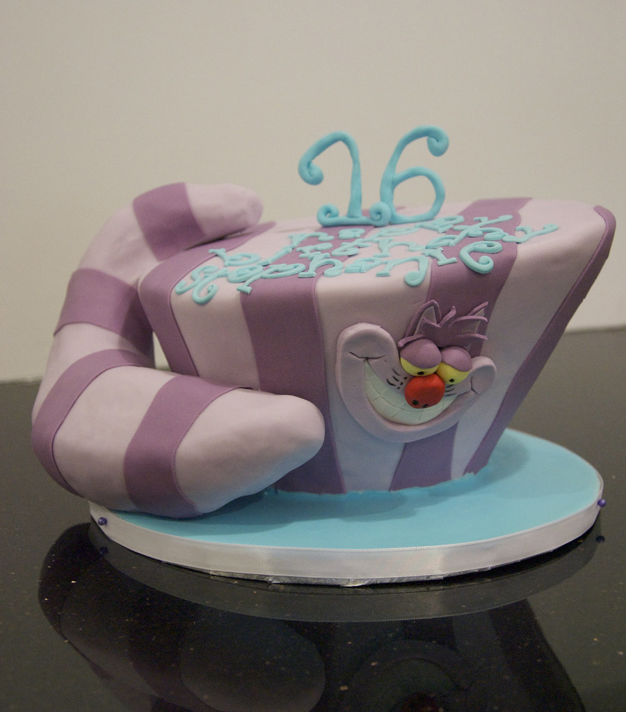 Peachy Bc4043 Cheshire Cat Birthday Cake A Single Tier Mad Hatt Flickr Personalised Birthday Cards Paralily Jamesorg