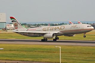 Etihad Airways Airbus A330-300; A6-AFA@LHR;05.06.2010/576ni | by Aero Icarus