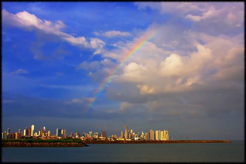 water skyline canon buildings eos bay rainbow edificios agua fb panama dslr panamá panamacity bahía 40d fave10 canon40d sigma18200dcos ciudadpanamá fave25