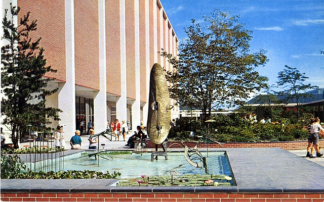 Eastland Center Harper Woods MI fountain sculpture