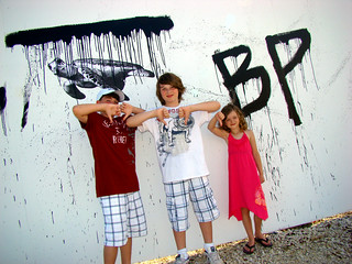 BP Oil Spill + Sea Turtle graffiti