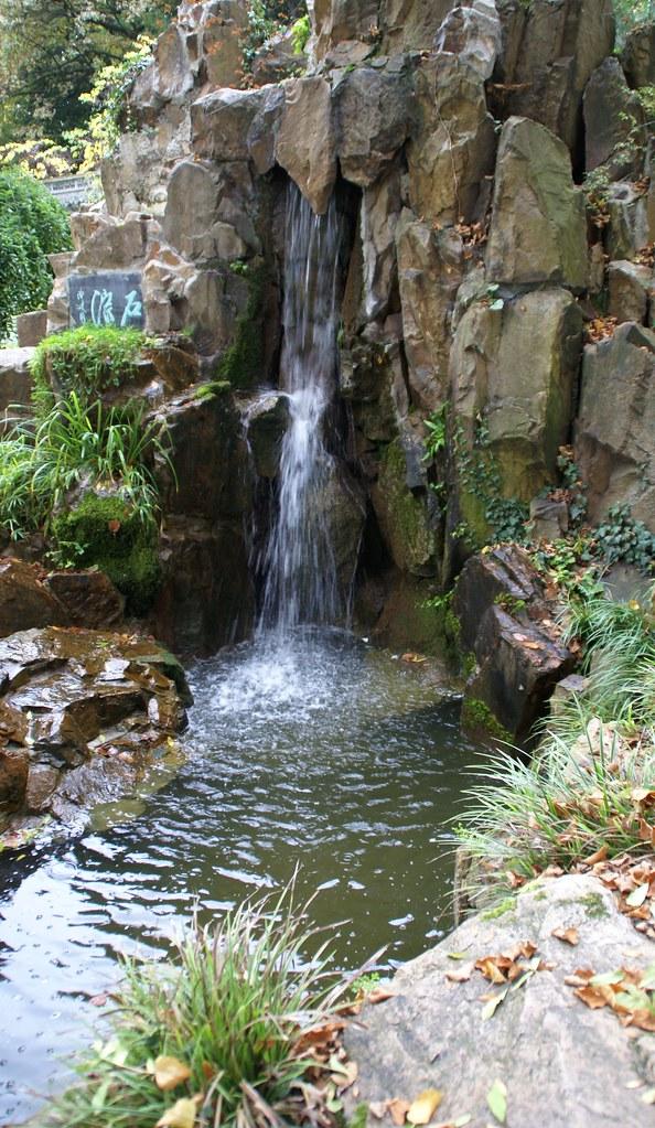 Frankfurt, chinesischer Garten, Wasserfall (Chinese Garden ...
