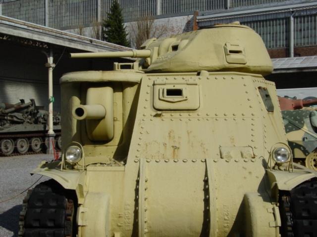 Belgique - Bruxelles - Musée de l'Armée - Section des Blindés