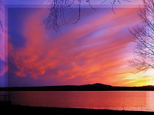 sunset lake canada reflection nature colors clouds canon quebec couleurs lac reflet nuages crépuscule crepuscule estrie memphremagog colorphotoaward platinumheartaward platinumheartawards quynhvu platinumhearthalloffame canonpowershotsx10is soleicouchant laraqueen