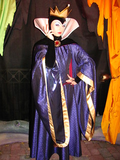 Meeting the Wicked Queen at Mickey's Halloween Party | by Castles, Capes & Clones