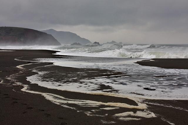 Sharp Park State Beach: Big Waves