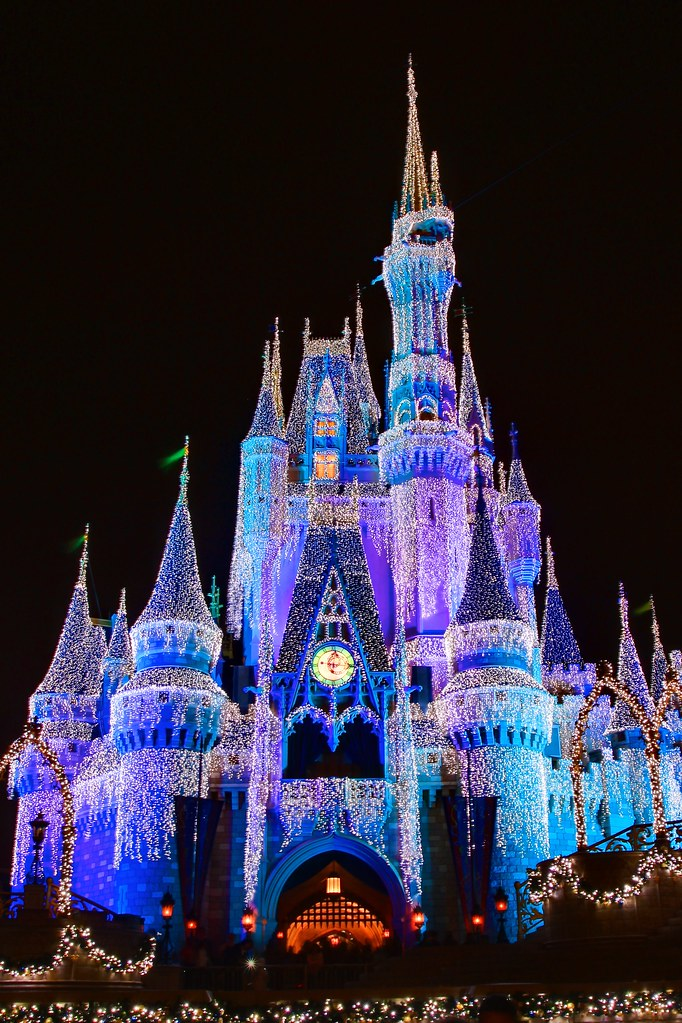 Cinderella Castle Christmas.Wdw Dec 2009 Christmas At Cinderella S Castle Magic King