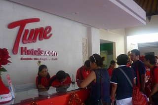 Tune Hotels Receptionist | by enda_001