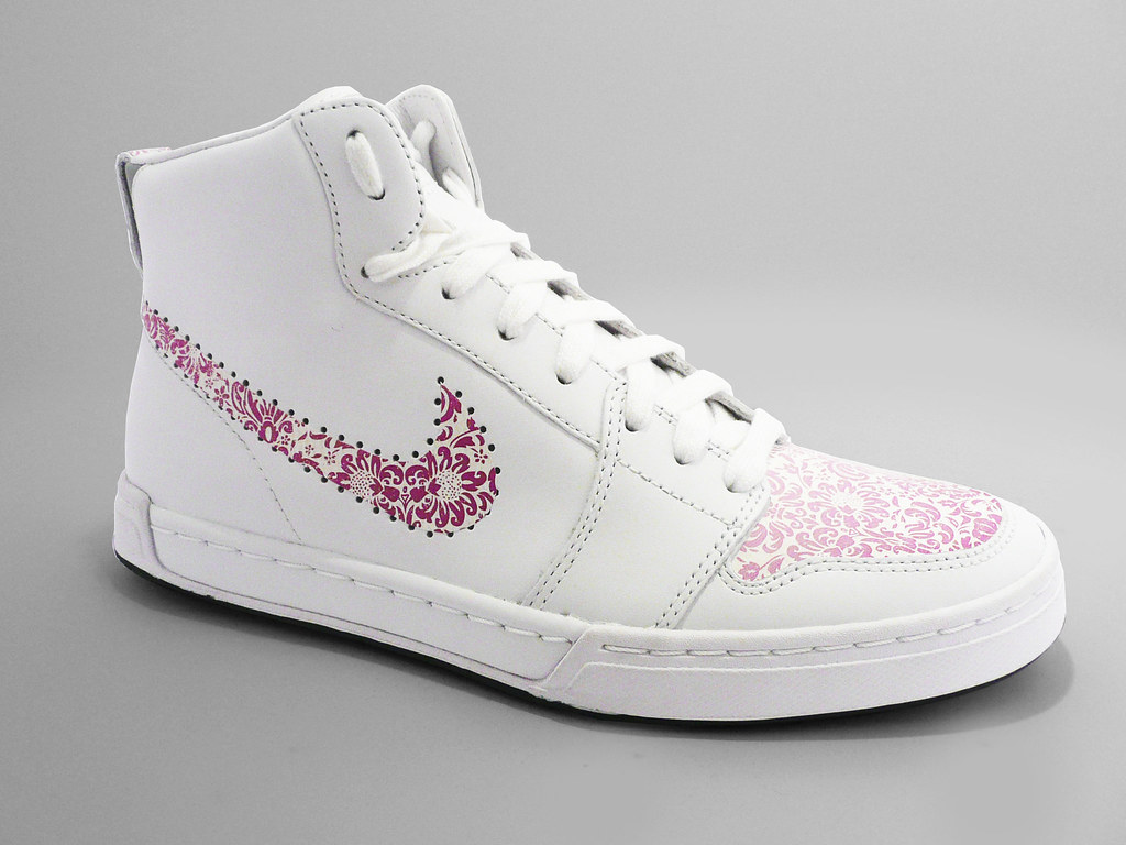 Nike Floral Pink A Very Subtle Design Using Our Floral P Flickr