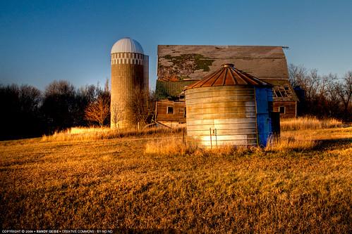 fall abandoned barn rural landscape afternoon unitedstates mn slayton corncrib hdrpm