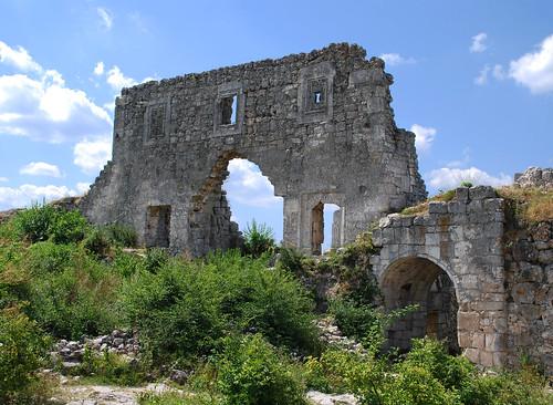 citadel ukraine medieval crimea feodor mangupkale feodorite