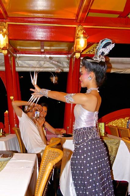 Thai Traditional Dance Show on board of Wan Fah dinner cruise